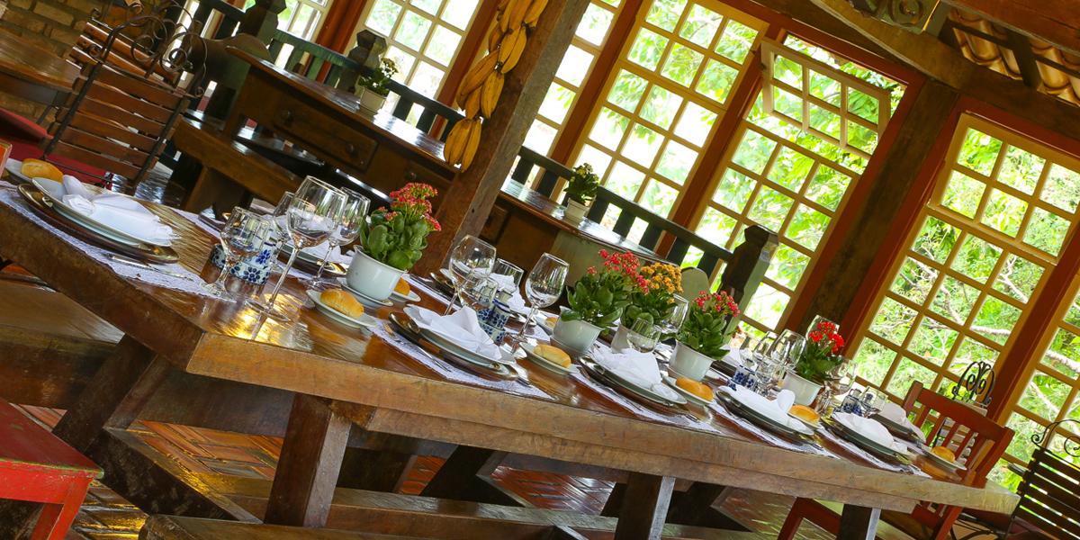 Mesa do restaurante do Hotel Fazenda Boa Esperança